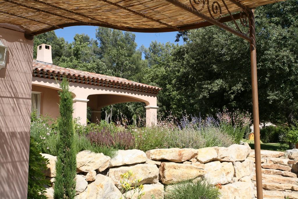 Conception et r alisation d un jardin proven al aix en for Conception jardin 14